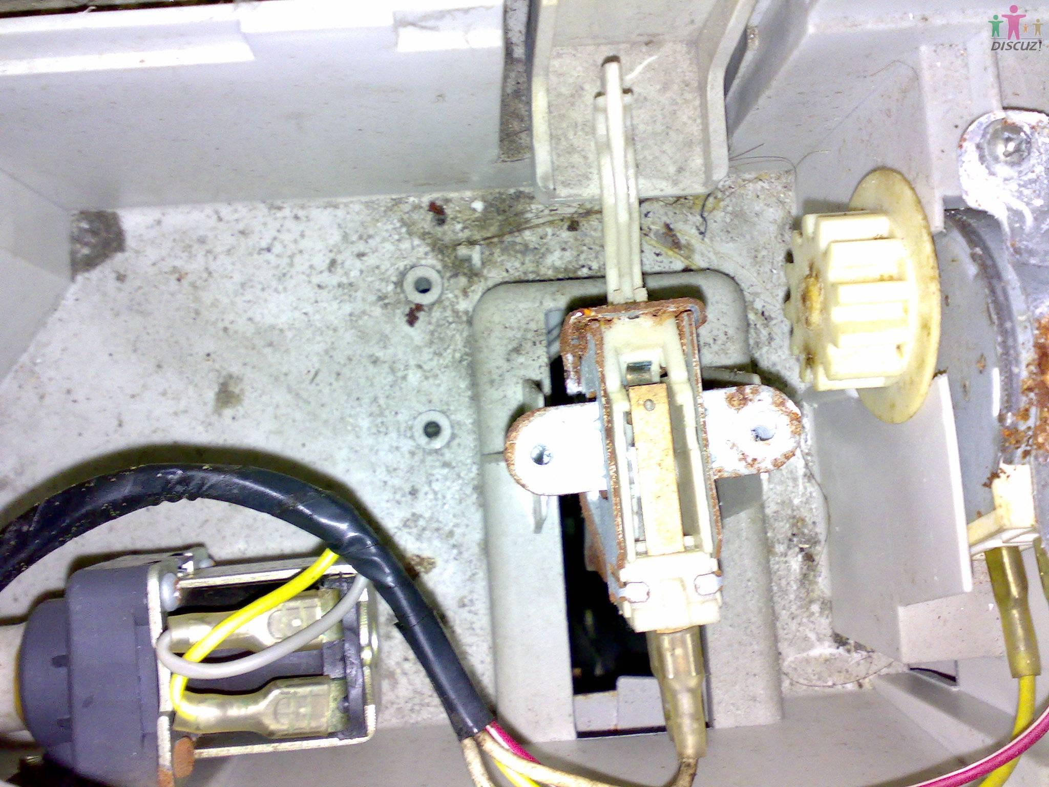 金铃全自动洗衣机脱水时显示e3